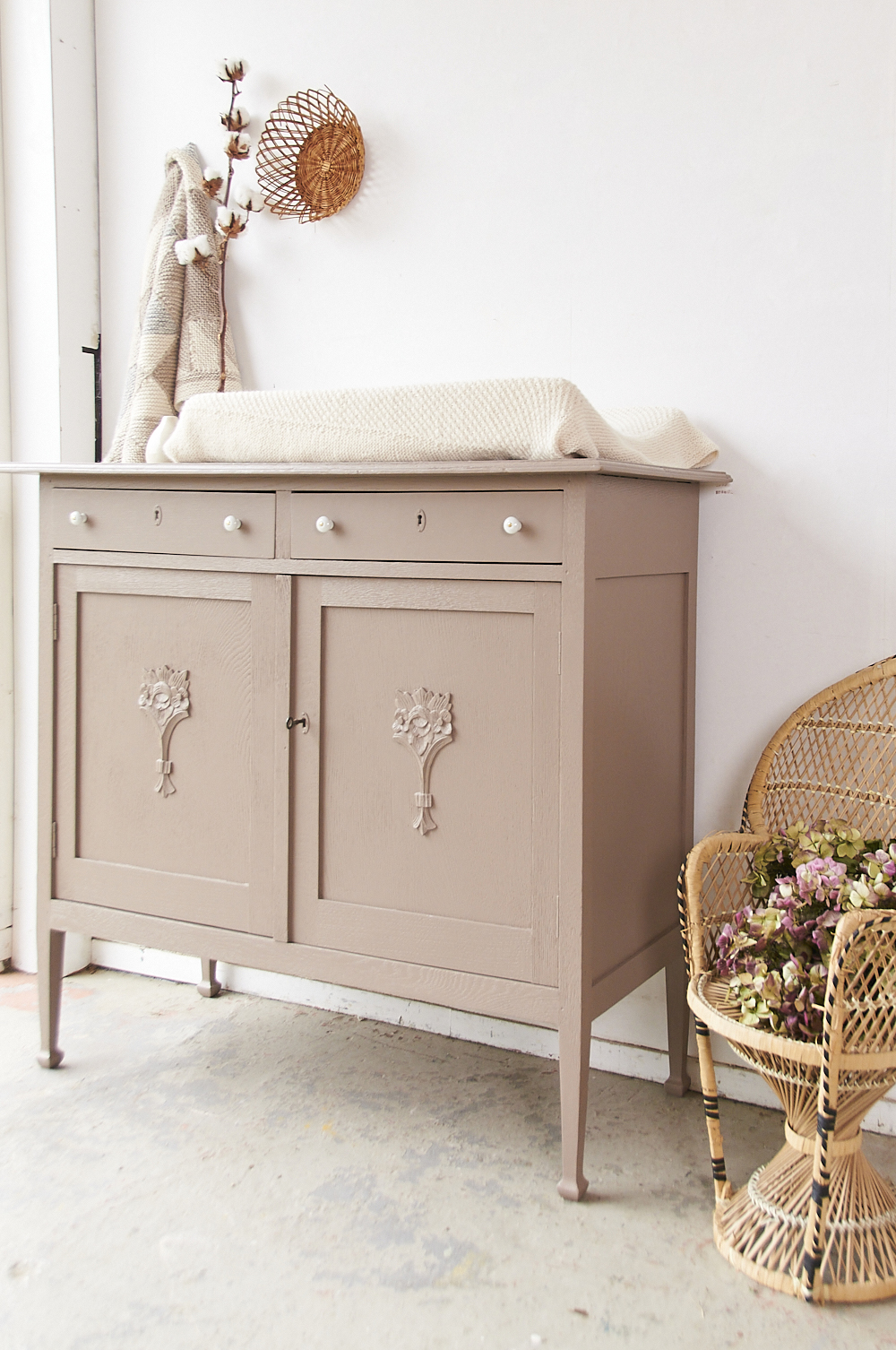 2280   Vintage Hazel Commode   Firma Zoethout